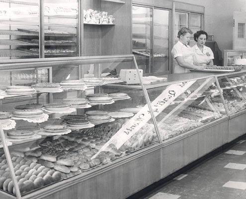 Buehler's history fresh bakery case